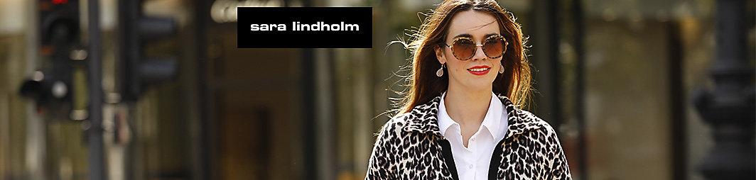 Sara Lindholm Bolero mit Rüschen langarm Haken und Ösen jacke uni gerade