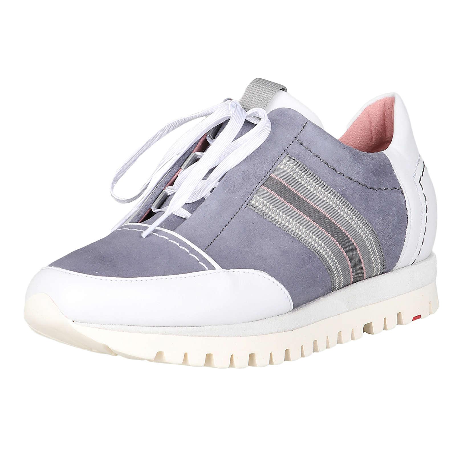 Artikel klicken und genauer betrachten! - Bequemer als dieser Sneaker der Schuhspezialisten von LLOYD geht es nicht. Die extraleichte Profilsohle hält Sie in der Spur, während die herausnehmbare Sohle die Freiheit lässt, eine eigene einzusetzen. Optisch lässt sich der Schuh in Pastellfarben und Streifenapplikation zu diversen Frühlings- und Sommeroutfits stylen. Egal ob zur Caprihose oder zum Sommerkleid!   im Online Shop kaufen